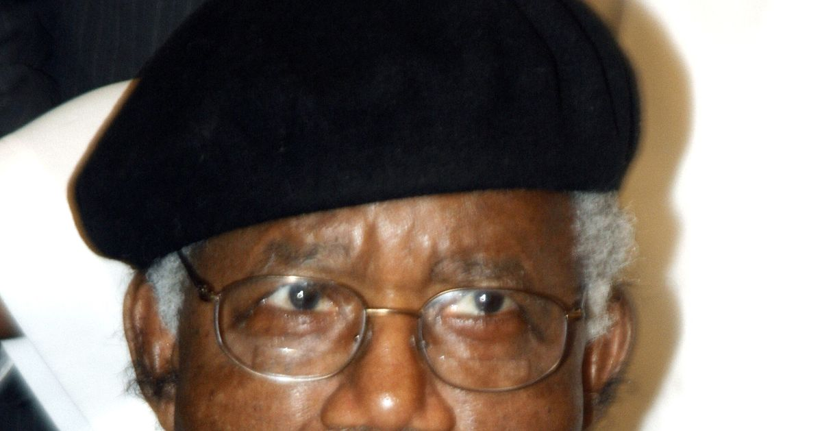 "vultures chinua achebe essay Vultures by chinua achebe"" vultures is a poem by chinua achebe included in the aqa anthology for study at gcse and 'vultures' by chinua achebe, [tags: poem."