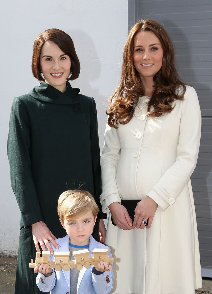 Kate Middleton Deigned to Mingle With the Help on the Set ...
