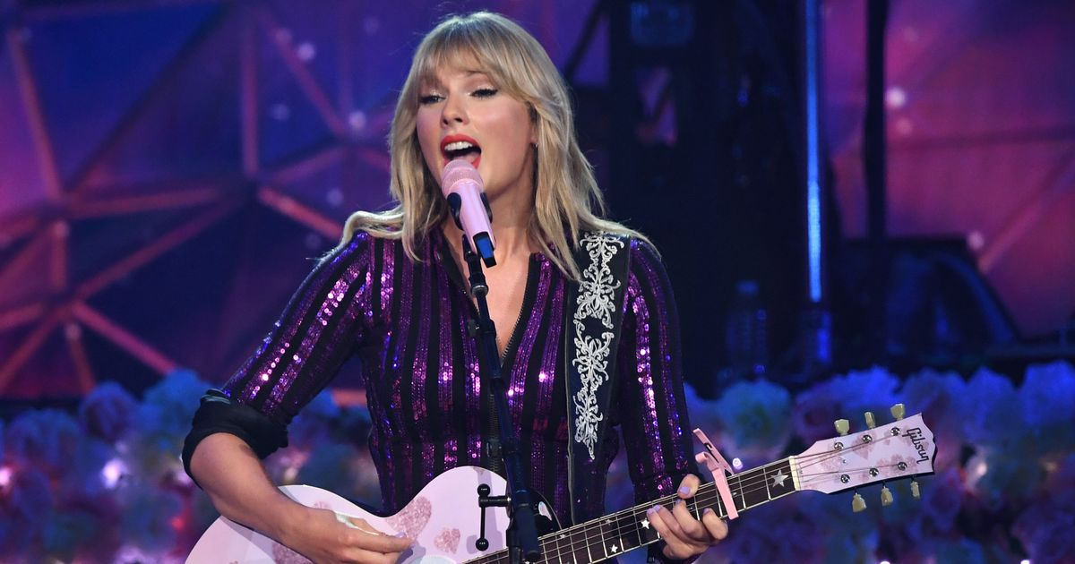 Hello, Lover! Taylor Swift's Seventh Album Is Finally Here