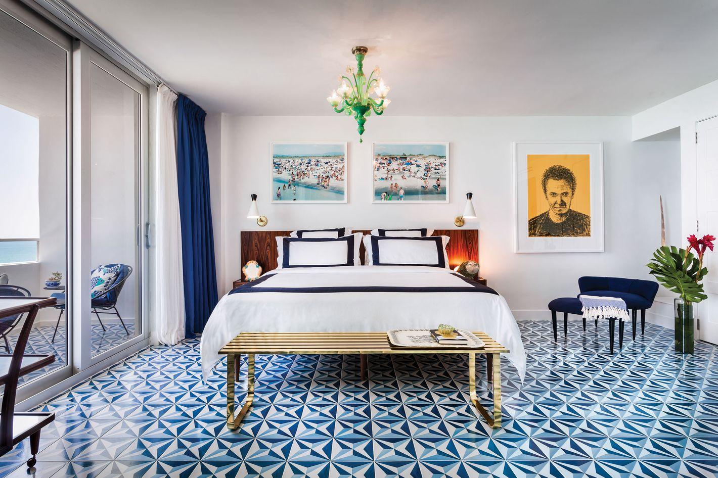 a miami beach apartment that matches the ocean - Beach Style Apartment 2015