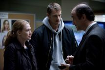 Sarah Linden (Mireille Enos), Stephen Holder (Joel Kinnaman) and Lt. Cole Skinner (Elias Koteas) - The Killing _ Season 3, Episode 6 - Photo Credit: Carole Segal/AMC