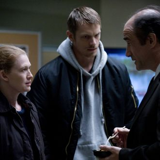 Sarah Linden (Mireille Enos), Stephen Holder (Joel Kinnaman) and Lt. Cole Skinner (Elias Koteas) - The Killing _ Season 3, Episode 6 - Photo Credit: Carole Segal/AMC