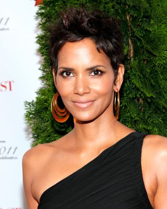 Halle Berry 2011 FiFi Awards The Tent at Lincoln Center, NYC May 25, 2011