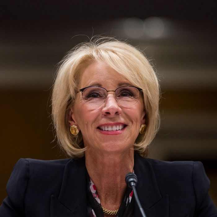 Devos Weighs Changes To Special Ed Rule >> An Inconvenient Memo For Betsy Devos