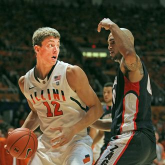 CHAMPAIGN, IL - DECEMBER 03: Meyers Leonard #12 of the Illinois Fighting Illini moves against Robert Sacre #00 of the Gonzaga Bulldogs at Assembly Hall on December 3, 2011 in Champaign, Illinois. Illinois defeated Gonzaga 82-75. (Photo by Jonathan Daniel/Getty Images) *** Local Caption *** Meyers Leonard; Robert Sacre