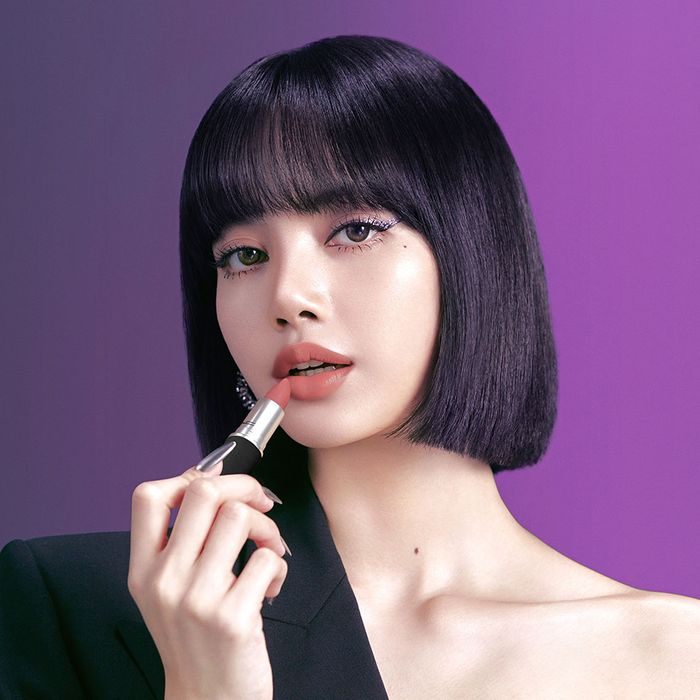 Blackpink's Lisa Is MAC's New Face