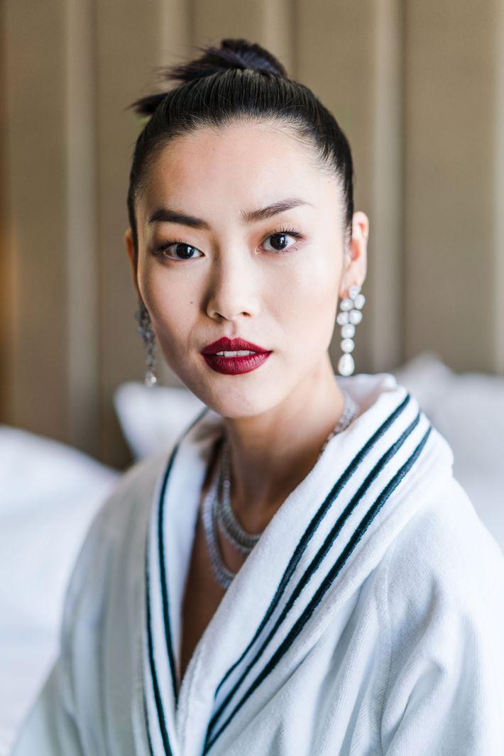 How To Get Liu Wen S 2017 Met Gala Beauty Look