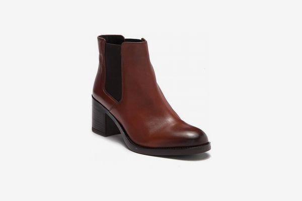 Clarks Mascarpone Bay Chelsea Boot
