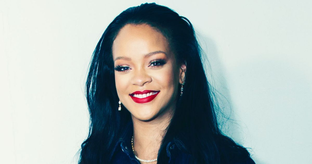 Famous People All Say Rihanna Smells Really, Really Good