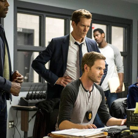 """THE FOLLOWING: Agents Rilley (guest star Billy Brown, L), Weston (Shawn Ashmore, R) and Ryan Hardy (Kevin Bacon, C) dive deeper into the history of Joe Carroll's psyche in the """"Chapter Two"""" episode of THE FOLLOWING airing Monday, Jan. 28 (9:00-10:00 PM ET/PT) on FOX. ©2013 Fox Broadcasting Co. CR: David Giesbrecth/FOX"""