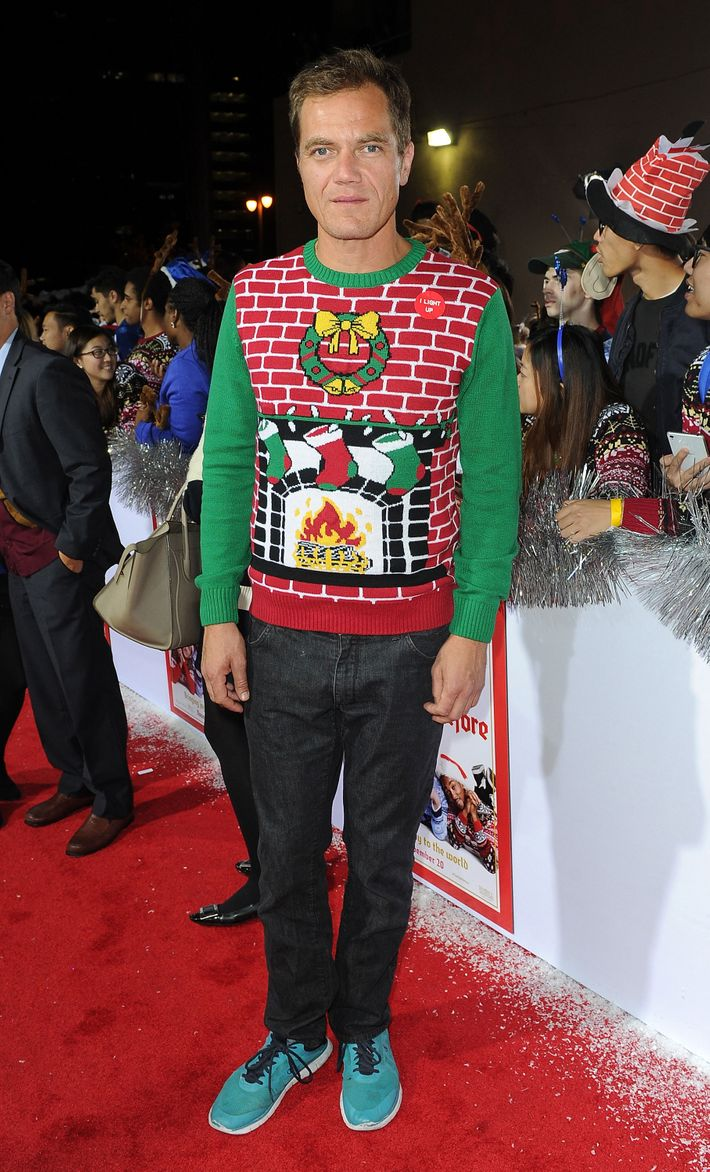 Michael Shannon\'s Jaunty Christmas Sweater: Terrifying or Adorable?