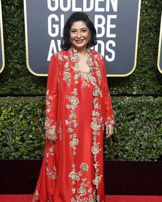 why meher tatna wore red to the golden globes