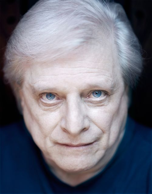 ca. 2004 --- Writer Harlan Ellison --- Image by ? Mark Hanauer/Corbis Outline