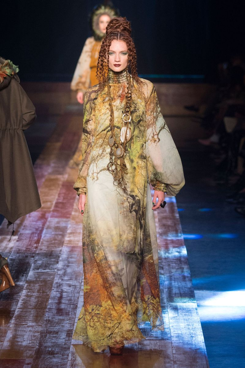 jean paul gaultier fall 2016 couture the cut. Black Bedroom Furniture Sets. Home Design Ideas