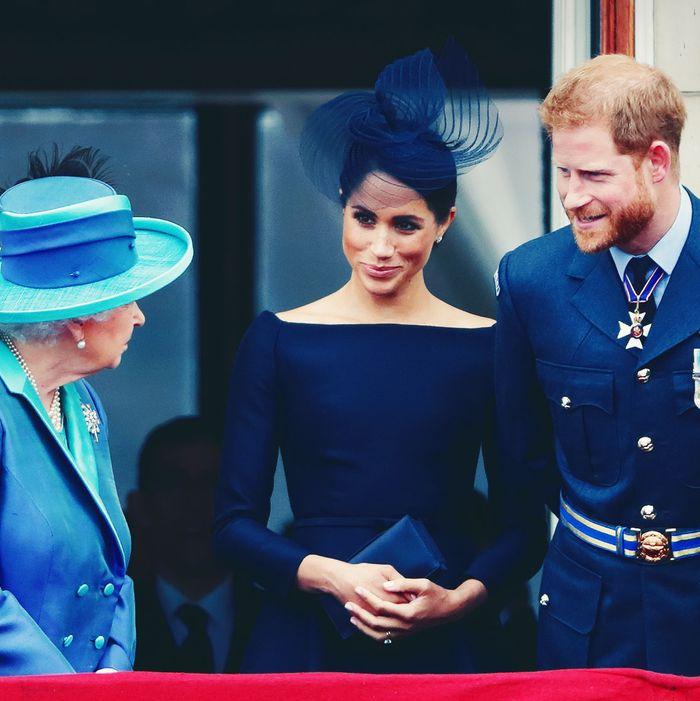 queen elizabeth reacts to prince harry meghan announcement queen elizabeth reacts to prince harry