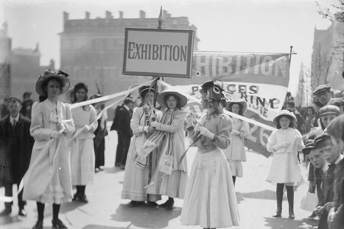 Young Suffragettes advertising the Women's Exhibition, May 1909.