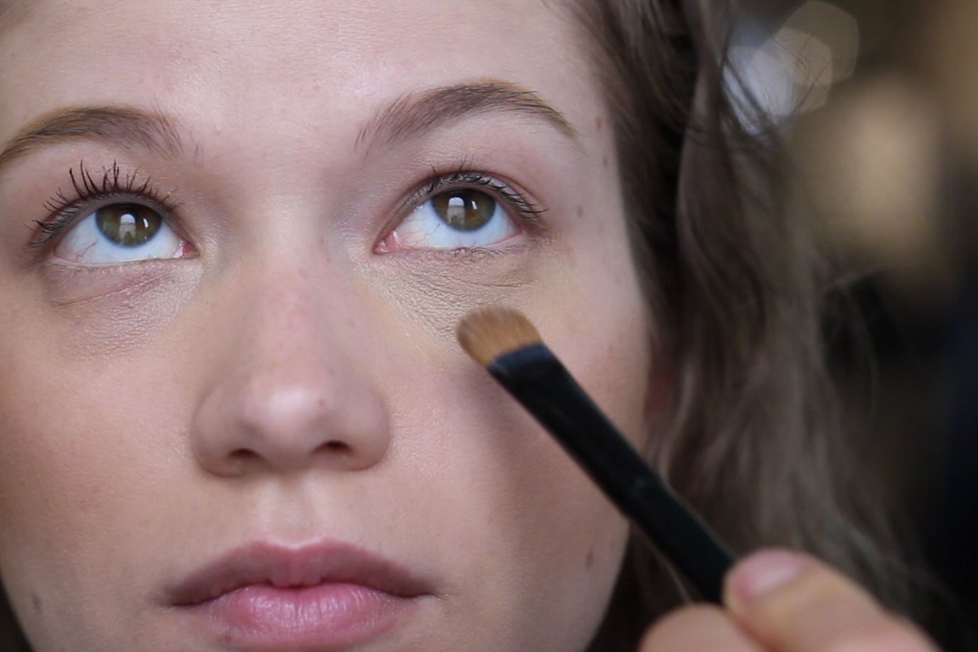 How to cover up bags under eyes with makeup