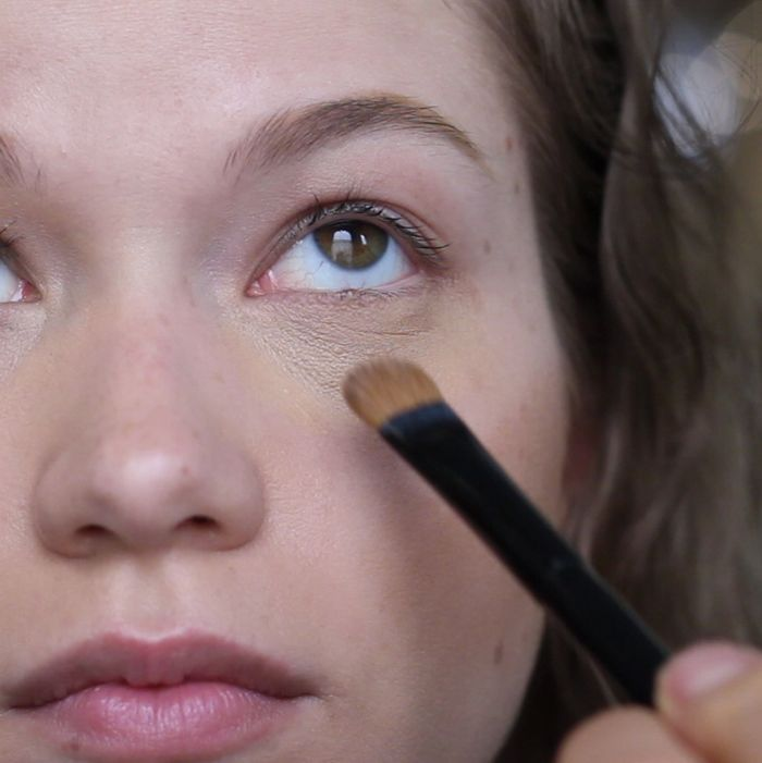 Gif Lesson How To Cover Up Under Eye Bags