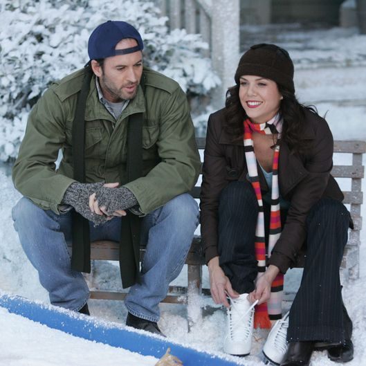 gilmore girls revival to take place over a year vulture. Black Bedroom Furniture Sets. Home Design Ideas