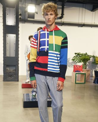 A look from Tommy Hilfiger's collection.