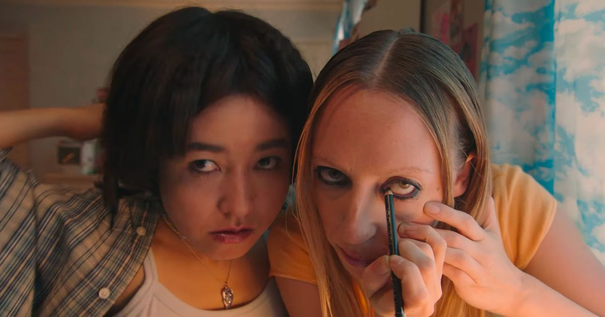 The PEN15 Trailer Will Dredge Up All Your Crusty Teenage Hormones