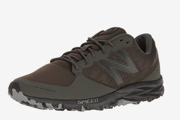 New Balance Men's MT690v2 Responsive Trail Running Shoe