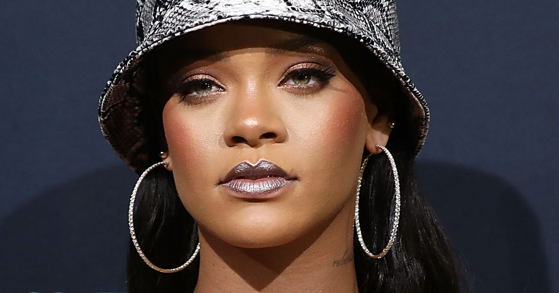 Rihanna Reportedly Said Hell No to the Super Bowl Halftime Show to Support Kaepernick