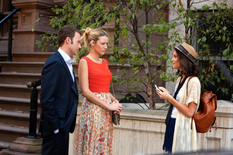 "GOSSIP GIRL-- ""High Infidelity""-- image GO602A_0582 Pictured (L-R): Barry Watson as Steven, Blake Lively as Serena Van Der Woodsen and Sofia Black-D'Elia as Sage"