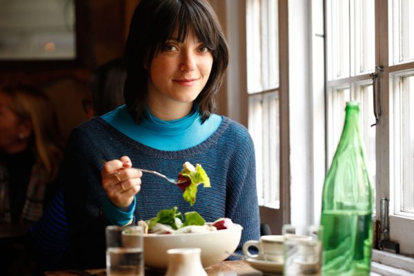 Sharon Van Etten Makes New Year's Chicken and Waffles From Scratch