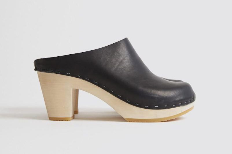 Bryr Chloe Closed Toe Clog