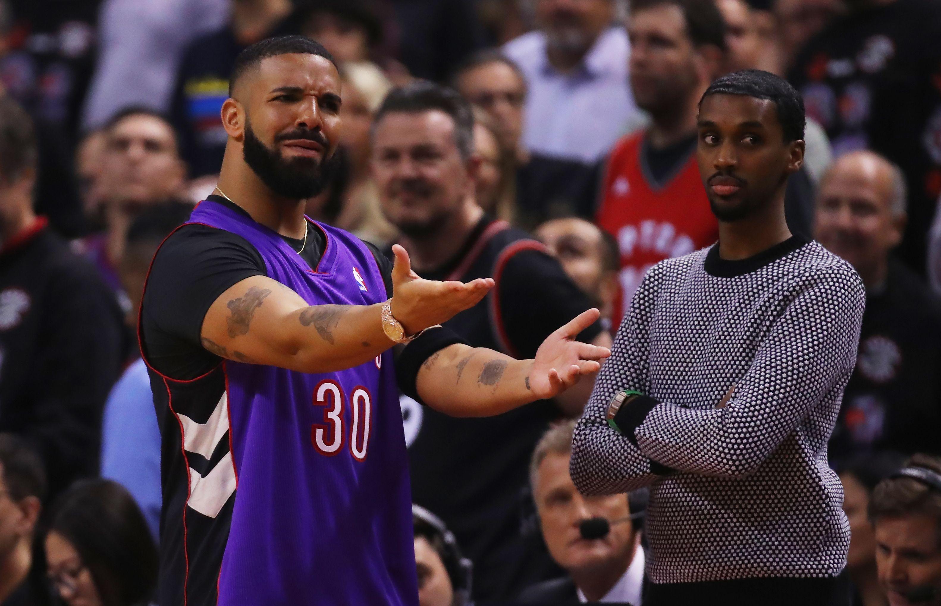 64c934755e5 Drake Trolls Steph Curry, Draymond Green at NBA Finals