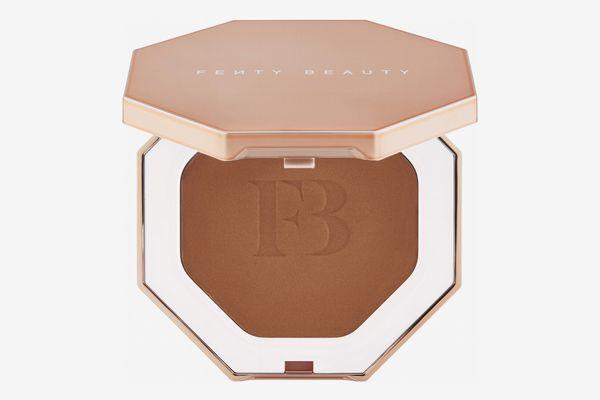 Fenty Beauty by Rihanna Sun Stalk'r Instant Warmth Bronzer in Caramel Cutie