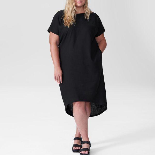 Universal Standard Sarah Linen Shift Dress