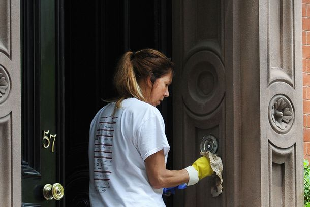 Workers clean Sarah Jessica Parker's West Village residence in preparation for President Obama's June 14 fundraising dinner. <P> Pictured: Sarah Jessica Parker's residence <P> <B>Ref: SPL403575  080612  </B><BR/> Picture by: Doug Meszler / Splash News<BR/> </P><P> <B>Splash News and Pictures</B><BR/> Los Angeles:310-821-2666<BR/> New York:212-619-2666<BR/> London:870-934-2666<BR/> photodesk@splashnews.com<BR/> </P>