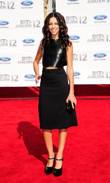 Sleek and simple. She could've done without the extra-high platforms, but otherwise this look is the night's winner.