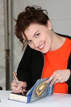 LOS ANGELES, CA - APRIL 13:  Author Veronica Roth attends the 19th Annual Los Angeles Times Festival of Books - Day 2 at USC on April 13, 2014 in Los Angeles, California.  (Photo by David Livingston/Getty Images)
