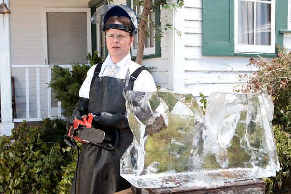 "THE OFFICE -- ""Garden Party"" Episode 804 -- Pictured: Rainn Wilson as Dwight Schrute -- Photo by: Chris Haston/NBC"