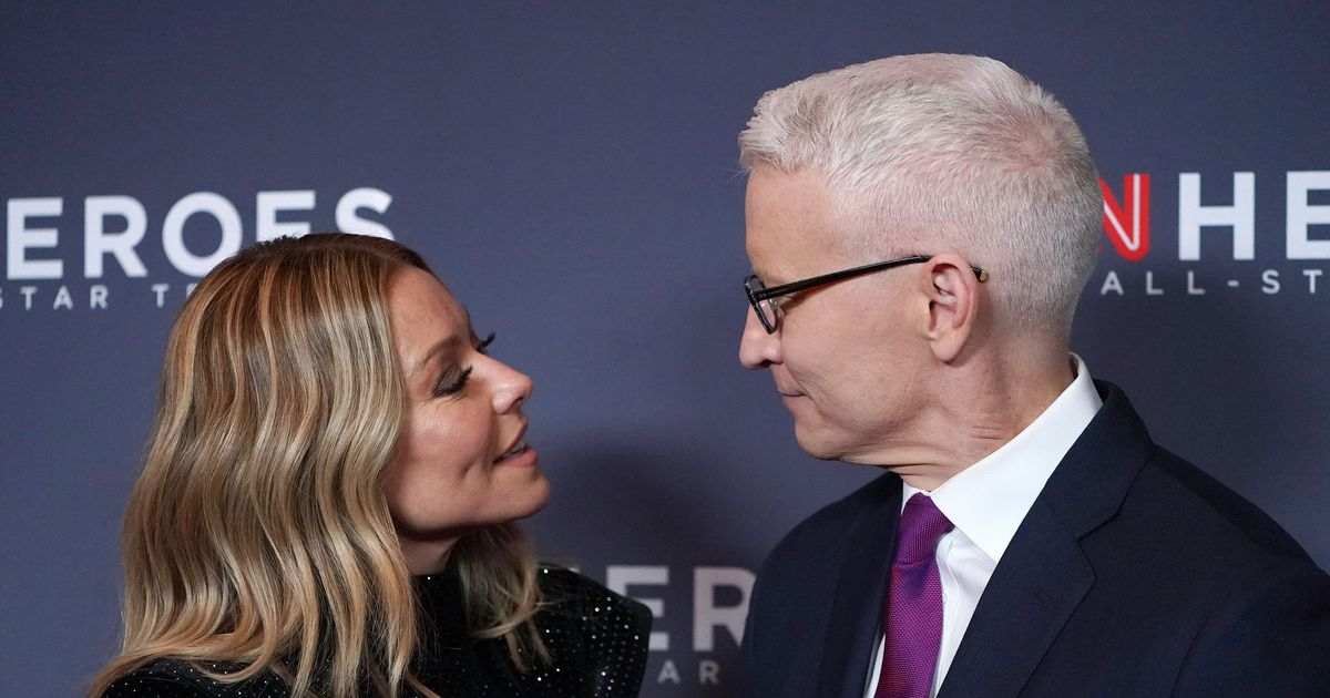 The Tinted Hair Spray Kelly Ripa Uses to Hide Her 'Anderson Cooper Gray' Roots