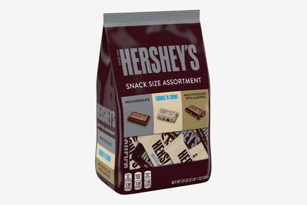 HERSHEY'S Halloween Chocolate Candy Variety Mix, Snack Size
