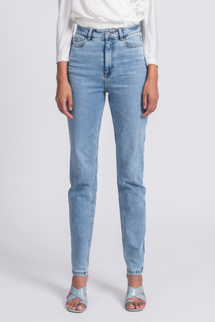 Unspun Feminine Tapered Fit Glacier Wash Jeans