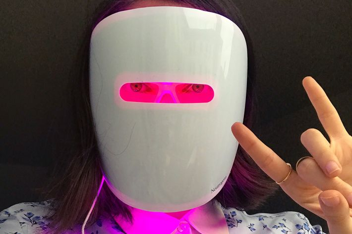 rio viera newton testing neutrogena light therapy acne mask - strategist best skin care products and best face masks
