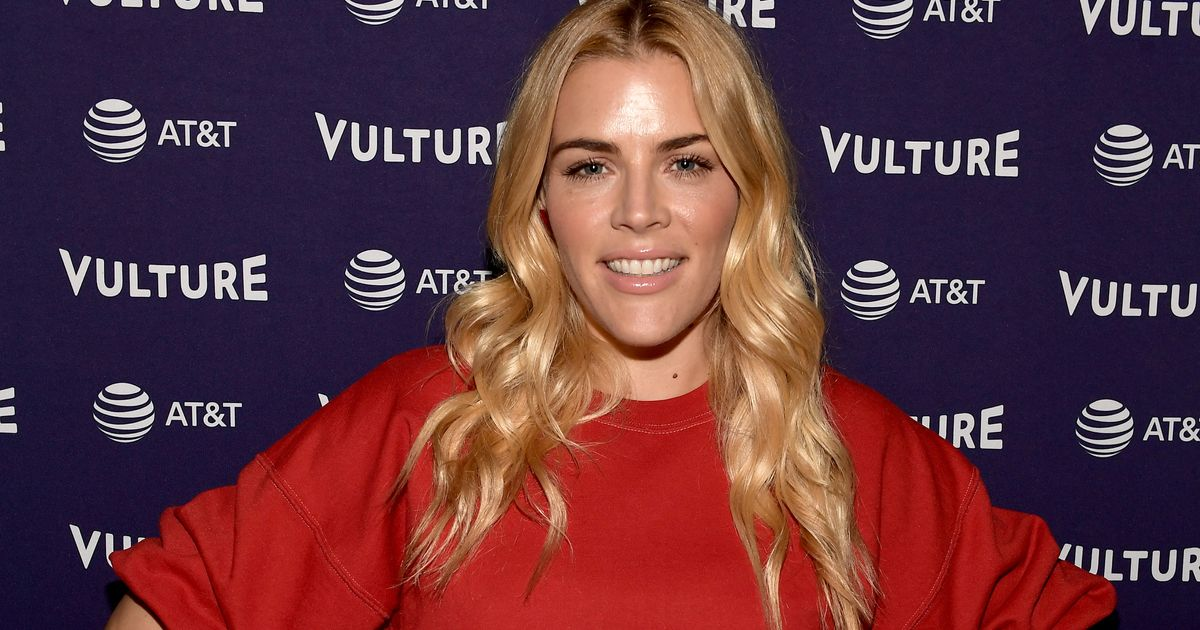 vulture.com - Devon Ivie - Busy Philipps Has an Update on Noah Centineo's Ghosting Story