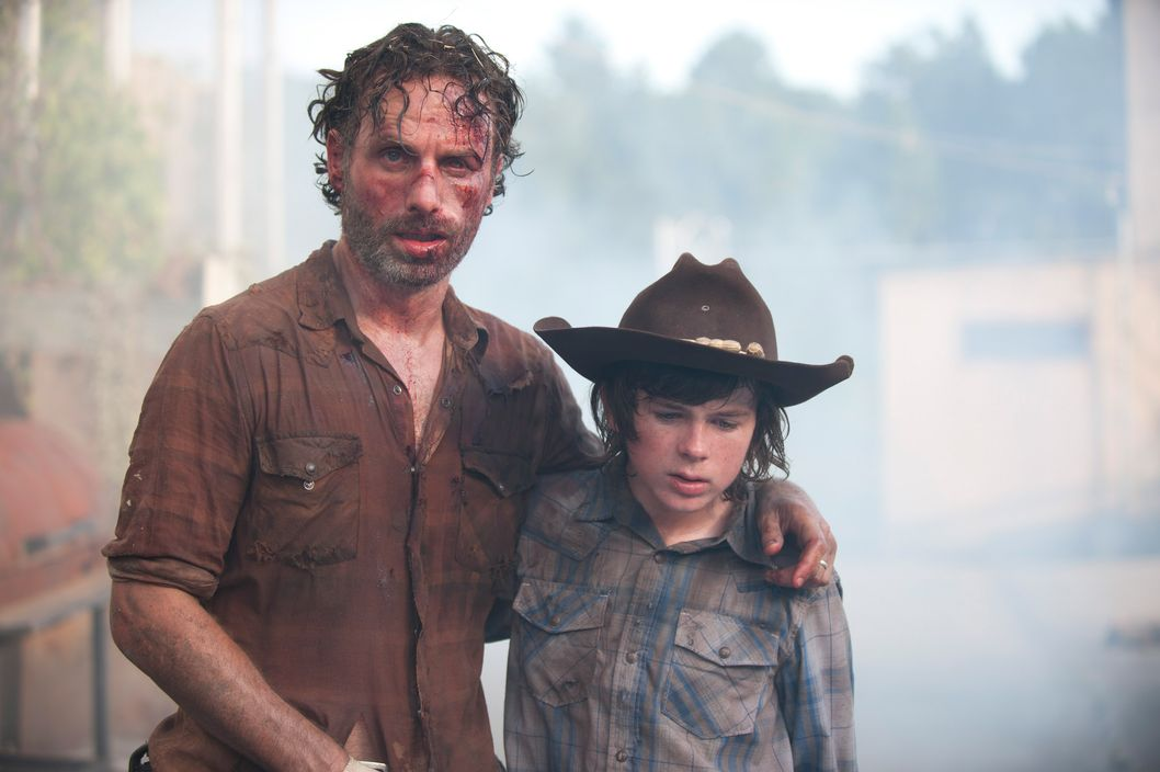 Rick Grimes (Andrew Lincoln) and Carl Grimes (Chandler Riggs) - The Walking Dead