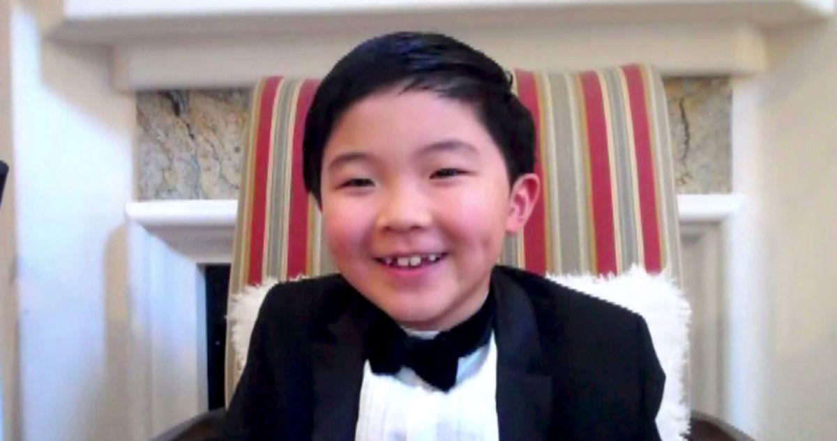 Sweet Baby Angel Alan Kim Bursts Into Tears Accepting Critics' Choice Award for Minari Role - The Cut
