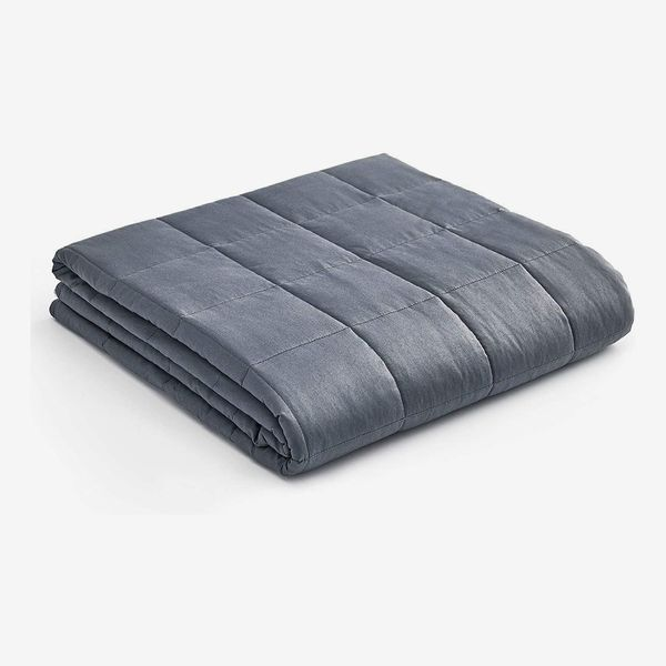YnM Weighted Blanket, 15lbs - Twin/Full Bed