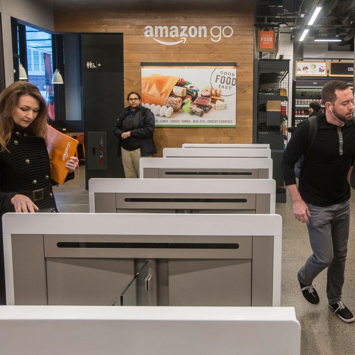 Amazon Testing Cashierless Tech For Bigger Stores