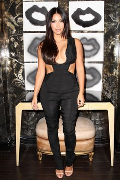 LOS ANGELES, CA - AUGUST 20:  Kim Kardashian attends Cassandra Huysentruyt Grey Hosts Artist In Residence Donald Robertson Tt VIOLET GREY Melrose Place on August 20, 2014 in Los Angeles, California.  (Photo by Jonathan Leibson/Getty Images for VIOLET GREY)