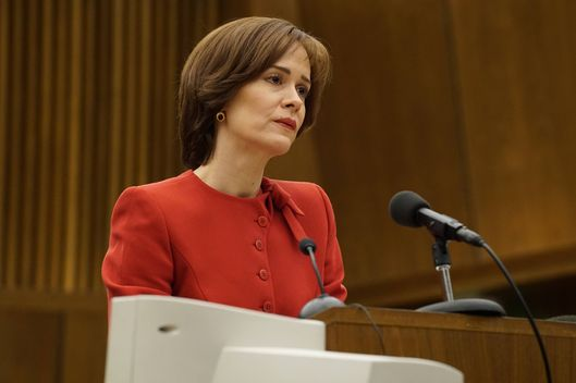 "THE PEOPLE v. O.J. SIMPSON: AMERICAN CRIME STORY ""Manna From Heaven"" Episode 109 (Airs Tuesday, March 29, 10:00 pm/ep) -- Pictured: Sarah Paulson as Marcia Clark. CR: Byron Cohen /FX"