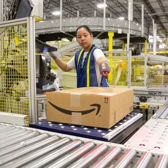 17 Apr 2015, Texas, USA --- 1.25 million square foot Amazon shipping center in Schertz, Texas. The fulfillment facility includes a proprietary