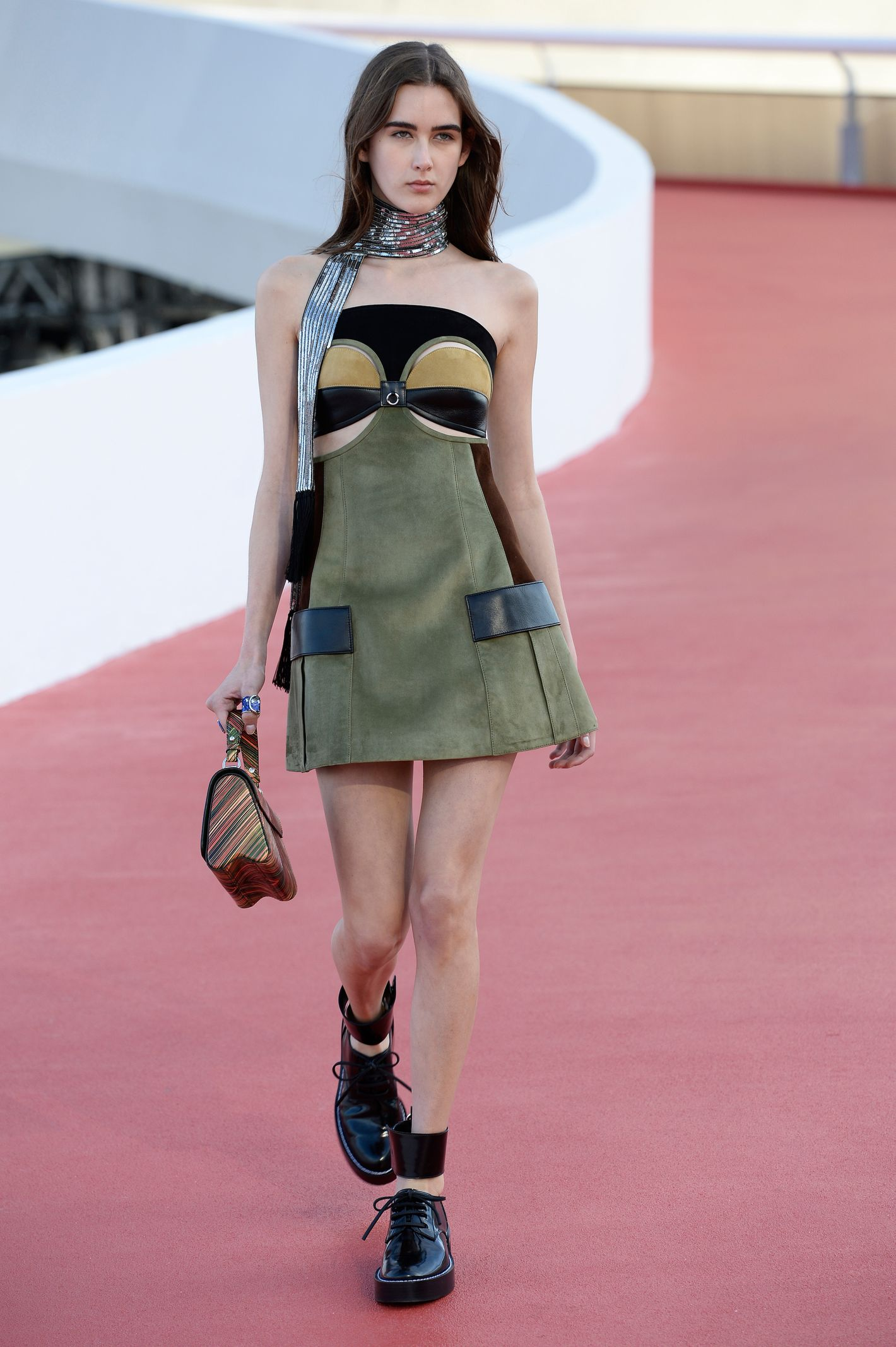 62ce5f4eea7 Everything You Need to Know About Today s Louis Vuitton Cruise Show